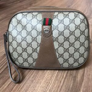 💯 authentic Gucci clutch with strap